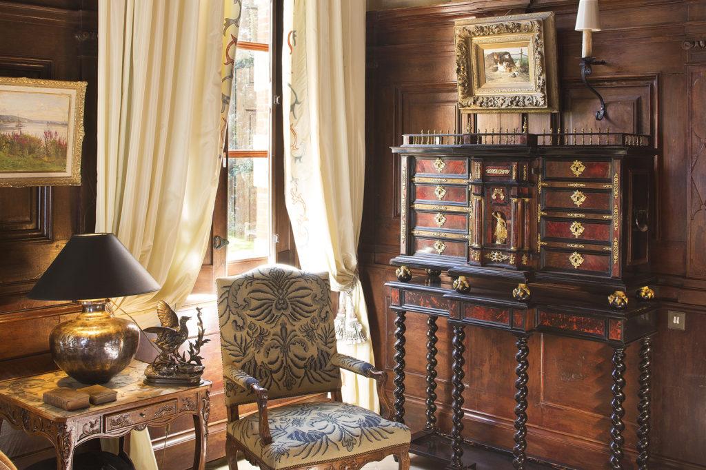 chateau-de-beneauville-salon-10-bd