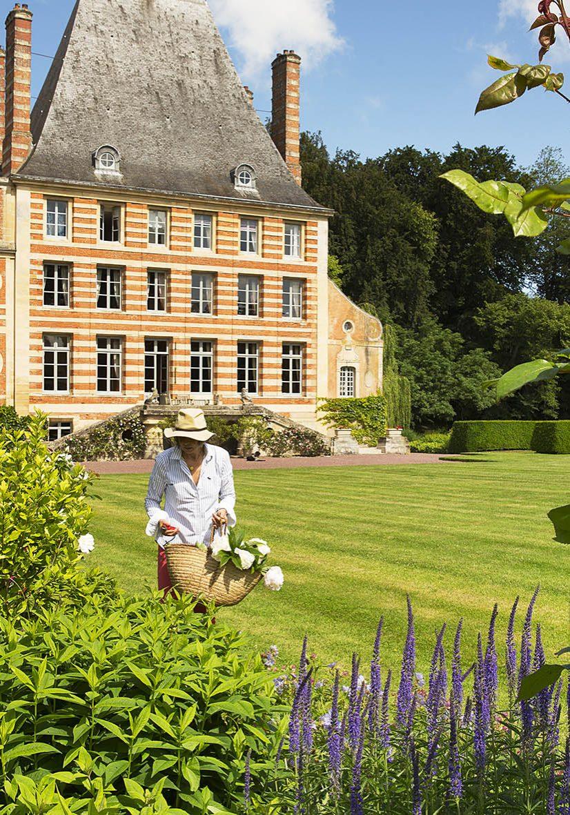 chateau de beneauville-mme et m augais-28 bd