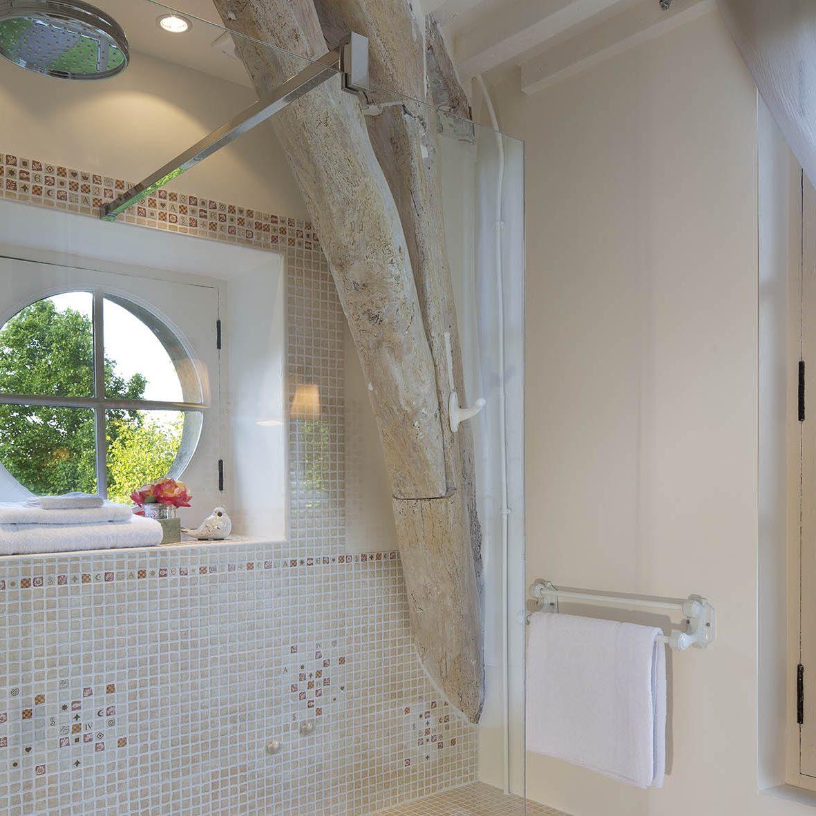 Salle de bain de la chambre rouge